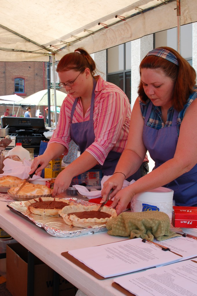 2007 Festival - Cooking Stage (8)