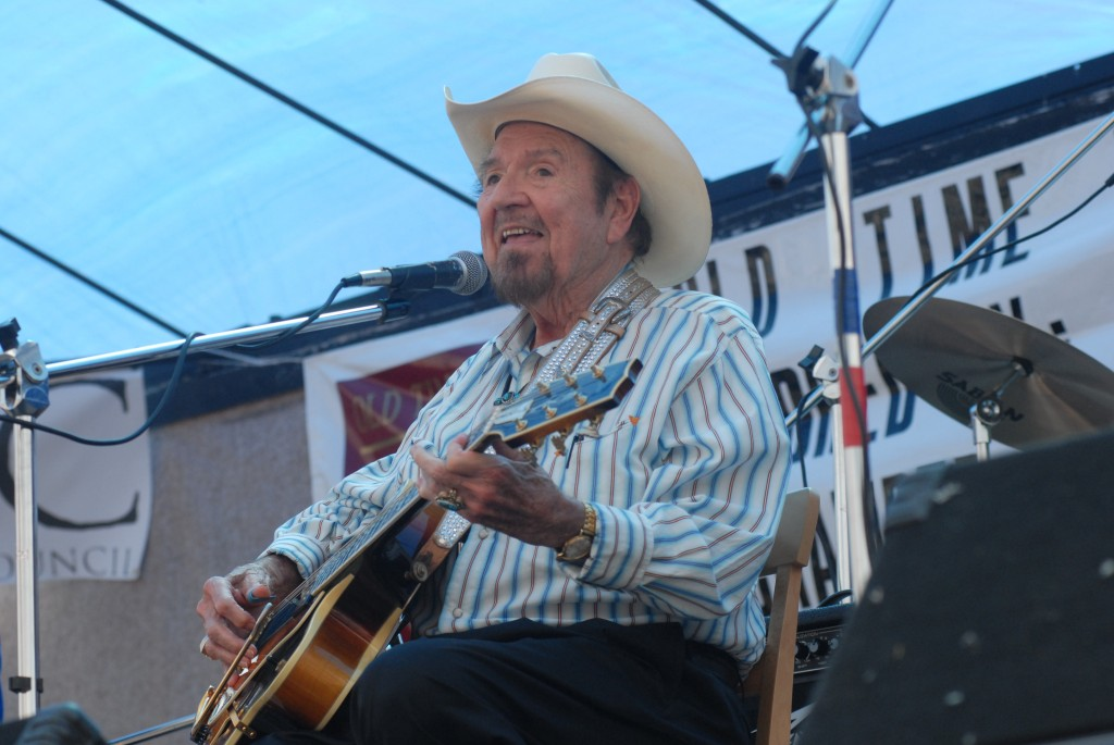 2007 Festival - Hank Thompson (12)