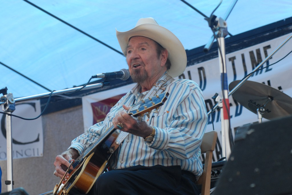 2007 Festival - Hank Thompson (13)