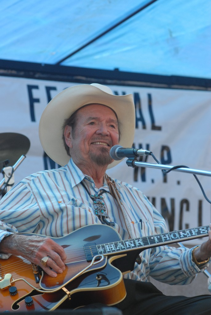 2007 Festival - Hank Thompson (16)