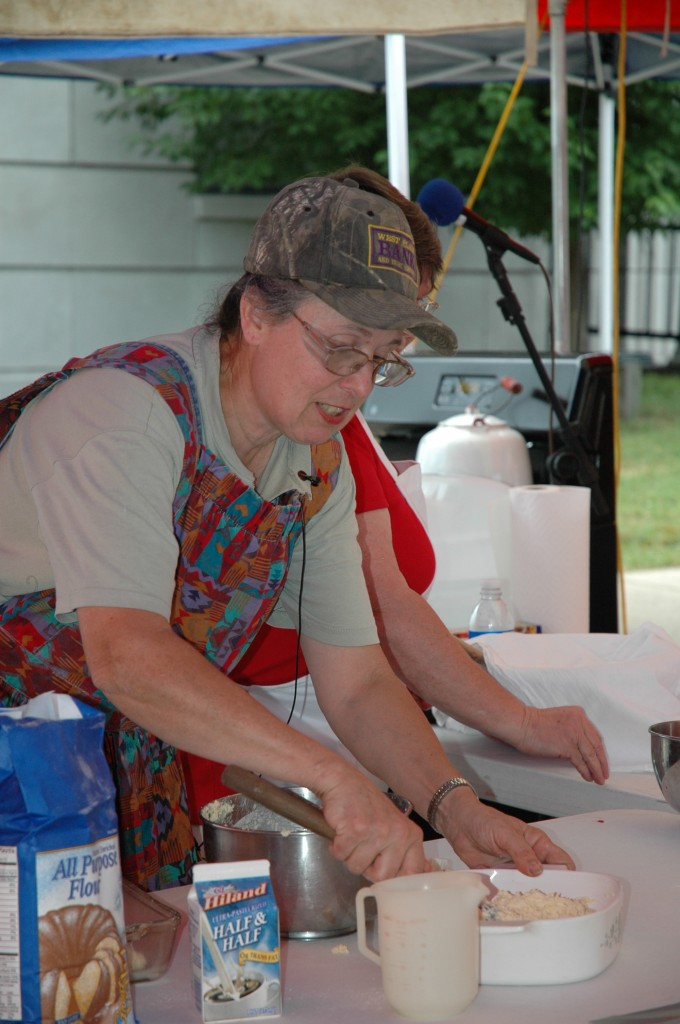 2008 Festival - Cooking Stage (6)