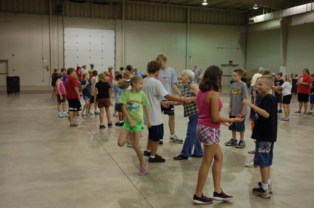2009 Festival - Square Dance Lessons (20)