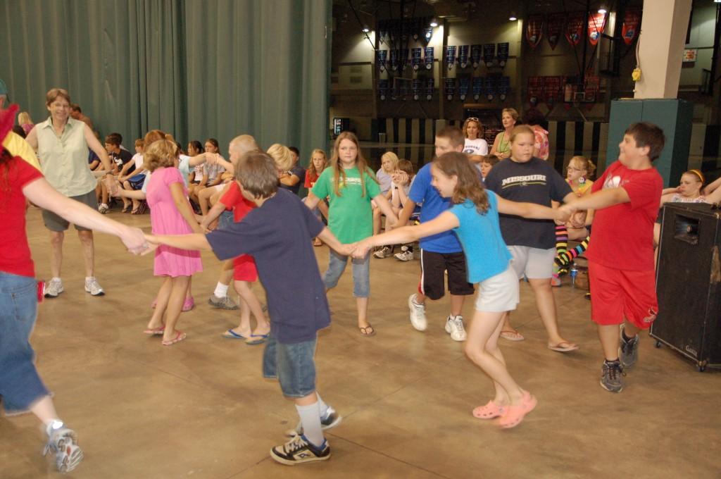 2009 Festival - Square Dance Lessons (27)