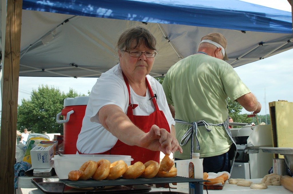 2011 Festival - Judy and Bill Harden - Donuts (3)