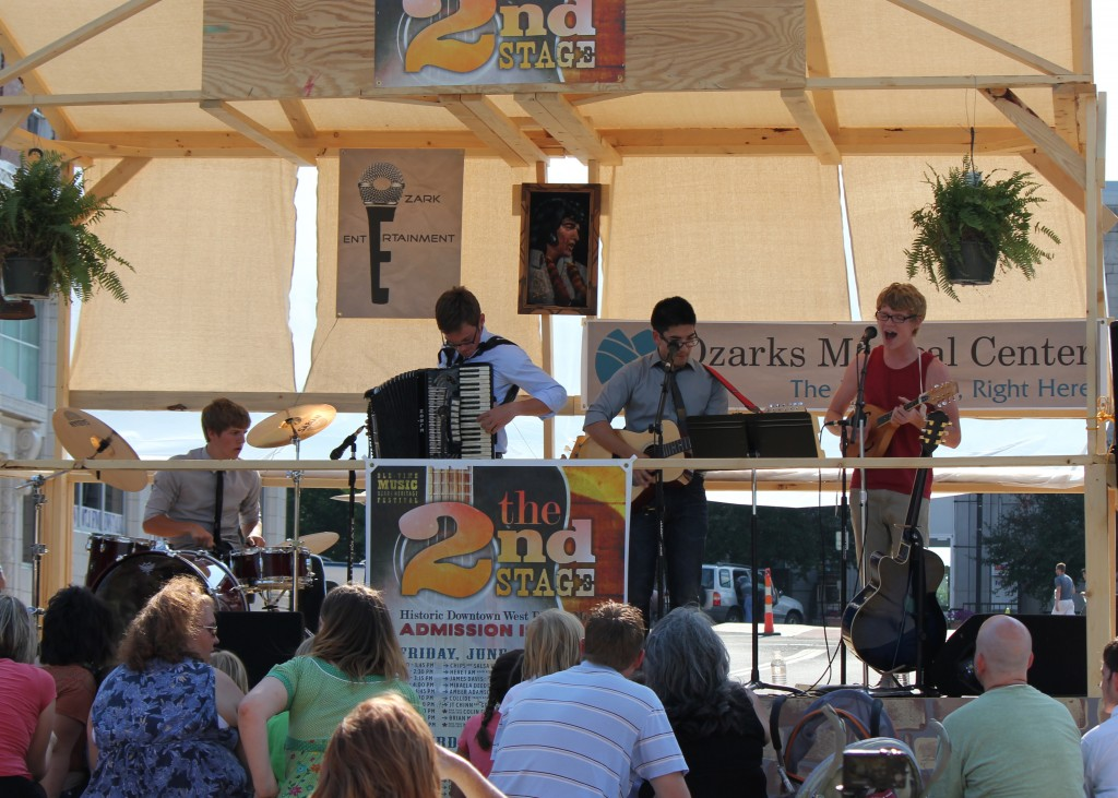 2012 Festival - 2nd Stage - The Skinnies